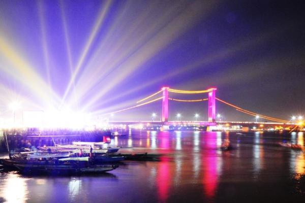 Jembatan Ampera Palembang Bersinar Dengan Wajah Baru