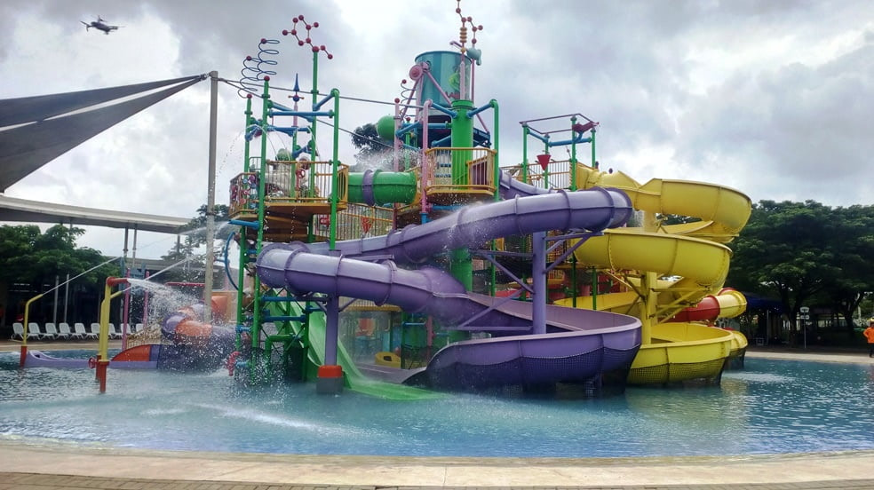Go Wet Waterpark, Oase Di Tengah Kota Industri