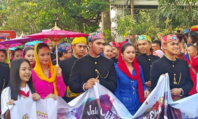 Karnaval Jalan Cantik dan Keren Rayakan Hari Kartini